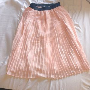 A&F pleated accordion skirt pink never worn